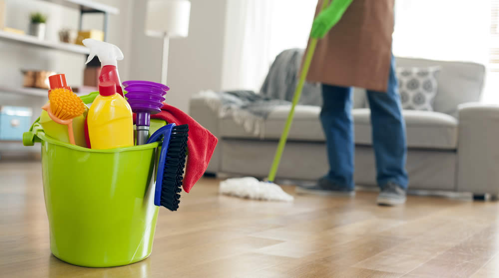 top 10 benefits of hiring a home cleaning service
