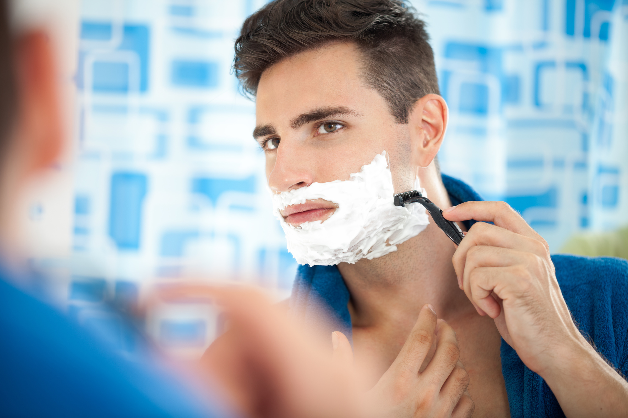 A Guy's Guide to Choosing the Best Razor for Your Perfect